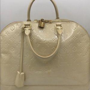 Louis Vuitton Alma Gm Vernis Monogram Patent Bag
